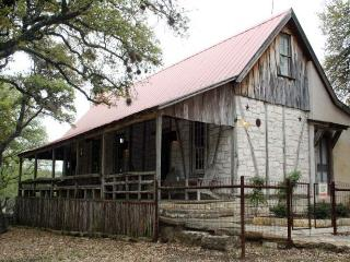 Hill Country Bungalow - Comfort vacation rentals