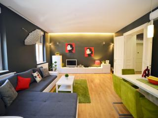 Apartment Secret Garden very central, garden view - Zagreb vacation rentals