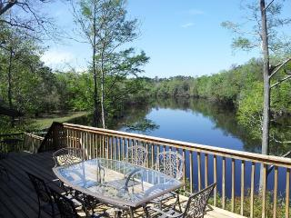 THE RIVER HOUSE, St. Marys River with 50' Dock - Hilliard vacation rentals