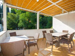 Apartment Luki for 3 with  AC - Novalja vacation rentals