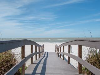 Twins Inn: 2-Bedroom Apartments Near Beach - Treasure Island vacation rentals