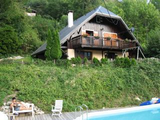 Large apartement in chalet - Saint-Jean-de-Maurienne vacation rentals