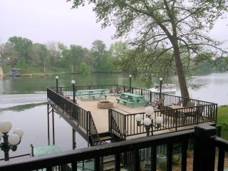 GUADALUPE RIVER LODGE NEW BRAUNFELS HILL COUNTRY - New Braunfels vacation rentals