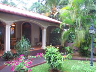 Fully-equipped house for a long-term rent - Hikkaduwa vacation rentals