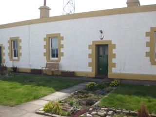 Lighthouse Cottage 4 only 2 miles from city centre - Aberdeen vacation rentals