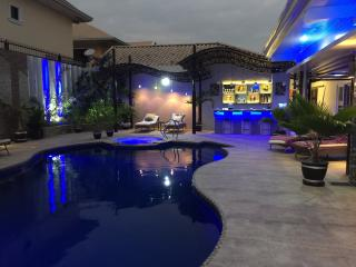 Beste Lounge B&B of Angeles City - Angeles vacation rentals