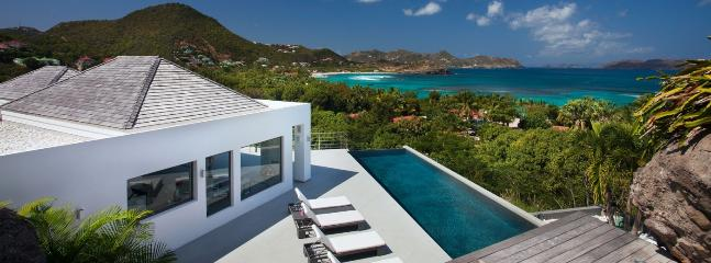 Villa Avenstar SPECIAL OFFER: St. Barths Villa 226 It Has A Breathtaking View On The Lorient Bay And The Sea. - Camaruche vacation rentals