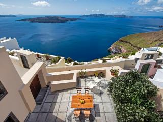 Aeon Villa - Elegant villa in Thira - Fira vacation rentals