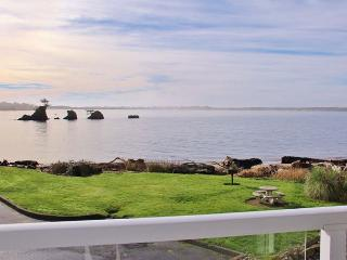 Waterfront Condo with Bay Views--Shopping, Restaurants & Beach Nearby - Oregon Coast vacation rentals
