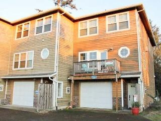 Fisherman's delight off the Little Nestucca River! - Lincoln City vacation rentals