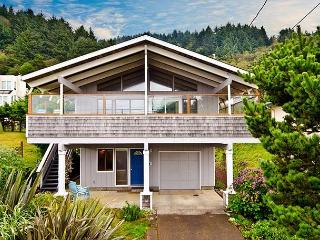 Classic Family Retreat in Desirable Roads End - Lincoln City vacation rentals