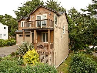 Luxury Home in the Center of Lincoln City close to Outlet Mall - Lincoln City vacation rentals