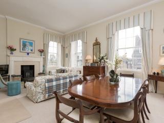 Castle Street apartment - Edinburgh & Lothians vacation rentals