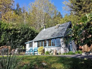 Salt Air Cottage, Davis Bay (Sechelt), BC - Sechelt vacation rentals