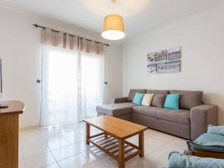 Apartment w  pool, 500 m from beach, private condo - Albufeira vacation rentals