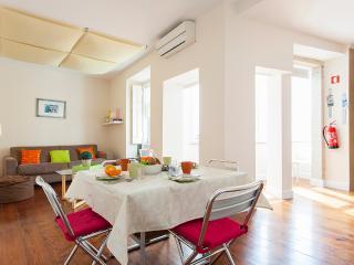Lapa Views Apartment - Lisbon vacation rentals