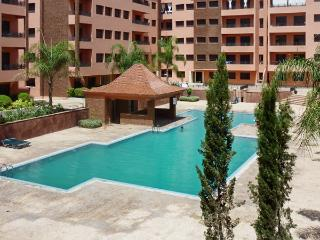 Stylish apartment near the heart of Marrakech with swimming pool, air con and WiFi - Tahanaout vacation rentals