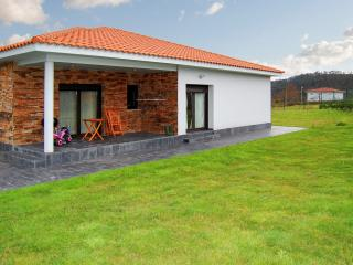 Idyllic cottage near the Costa Verde (Asturias) with 3 bedrooms and huge garden - Pipe vacation rentals