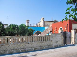 Beautifully-restored stone house near the Salento coast (Puglia) w/ air con & courtyard – sleeps 8 - Surano vacation rentals