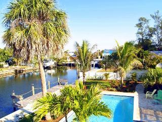 Sunshine Cottage / Boat Dock, Private Pool, Beach - Anna Maria vacation rentals