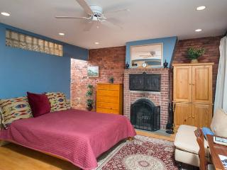 Charming Studio In Great  Boston Neighborhood - Greater Boston vacation rentals