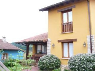 Apartamentos La Calvera - Asturias vacation rentals
