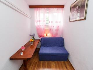 Apartments Sandra - 39741-A4 - Okrug Donji vacation rentals