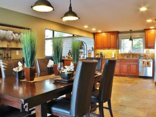 Northwest-Style Luxury at the foot of Mt Rainier - Enumclaw vacation rentals