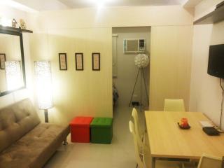 Cozy 1 Br. Resort Condo in QC - Quezon City vacation rentals