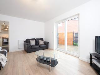3 Bed House Nr City Sleeps 8 (b) - Manchester vacation rentals