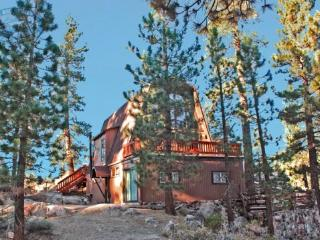 Larks Nest Cabin bask in the sunlight at this secluded dog friendly mountain Vacation Cabin in Big Bear with outdoor hot tub and - Big Bear Lake vacation rentals