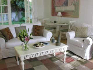 Charming Duplex with private yard, Pets welcome - Los Angeles vacation rentals