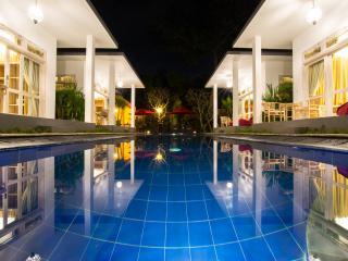 6Bedroom Famous Luxury Pool Villa in Jimbaran Bali - Sanur vacation rentals