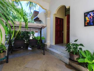 2 Bdr Apt - Pool! - 6 Pax! - Patong vacation rentals