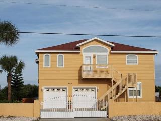 Dancin' Dolphin - Beautiful 4 Bedroom, Ocean Front Home, 60