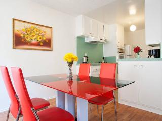 Heart Of Hollywood Cozy 2+2-Walk Of Fame+Free Pkg - West Hollywood vacation rentals