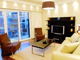 RECOLETA 2 BEDROOM / 2 BATH WITH BALCONY (R5) - Buenos Aires vacation rentals
