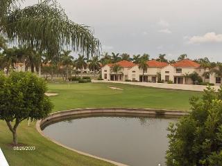 St. Petersburg condo on Isla dol sol golf course - Saint Petersburg vacation rentals