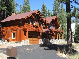 Tahoe Ski Lodge  WiFi, hot-tub sleeps 18 - Truckee vacation rentals