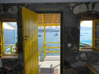 The Yellow Boat House - Klima vacation rentals