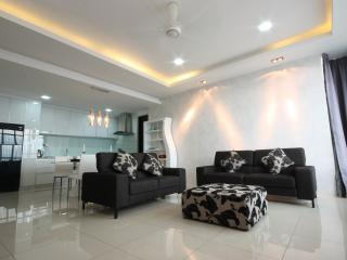 SH Duplex Penthouse Luxury Series - Georgetown vacation rentals