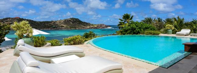 Villa Papaye AVAILABLE CHRISTMAS & NEW YEARS: St. Barths Villa 218 Only Few Steps From The Beach And Is Facing The Sunset. - Petit Cul de Sac vacation rentals