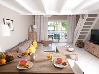 STAY 7 NIGHTS SAVE 1 NIGHT FREE- BEACHFRONT CONDO - Orient Bay vacation rentals