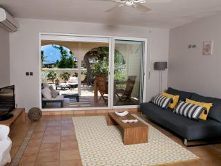 SEA VIEW - STAY 7 NIGHTS SAVE 1 NIGHT - Orient Bay vacation rentals
