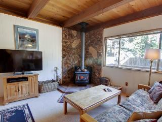 Cozy haven w/ wood stove close to great attractions! - South Lake Tahoe vacation rentals