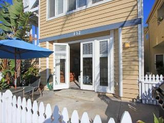 Best 3 bed on Balboa Peninsula - 200 Yds to Ocean - Newport Beach vacation rentals