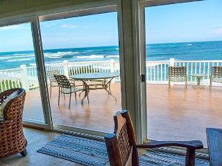 Waverider Beach Bungalow - oceanfront home - Haleiwa vacation rentals