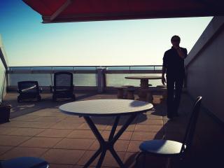 appartement face mer, direct plage, tres belle ter - Saint-Jean-de-Monts vacation rentals