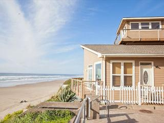 Huge, luxury oceanfront home has two great rooms for large groups! - Lincoln City vacation rentals