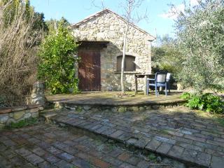 Villetta in campagna a pochi km dal mare - Cecina vacation rentals